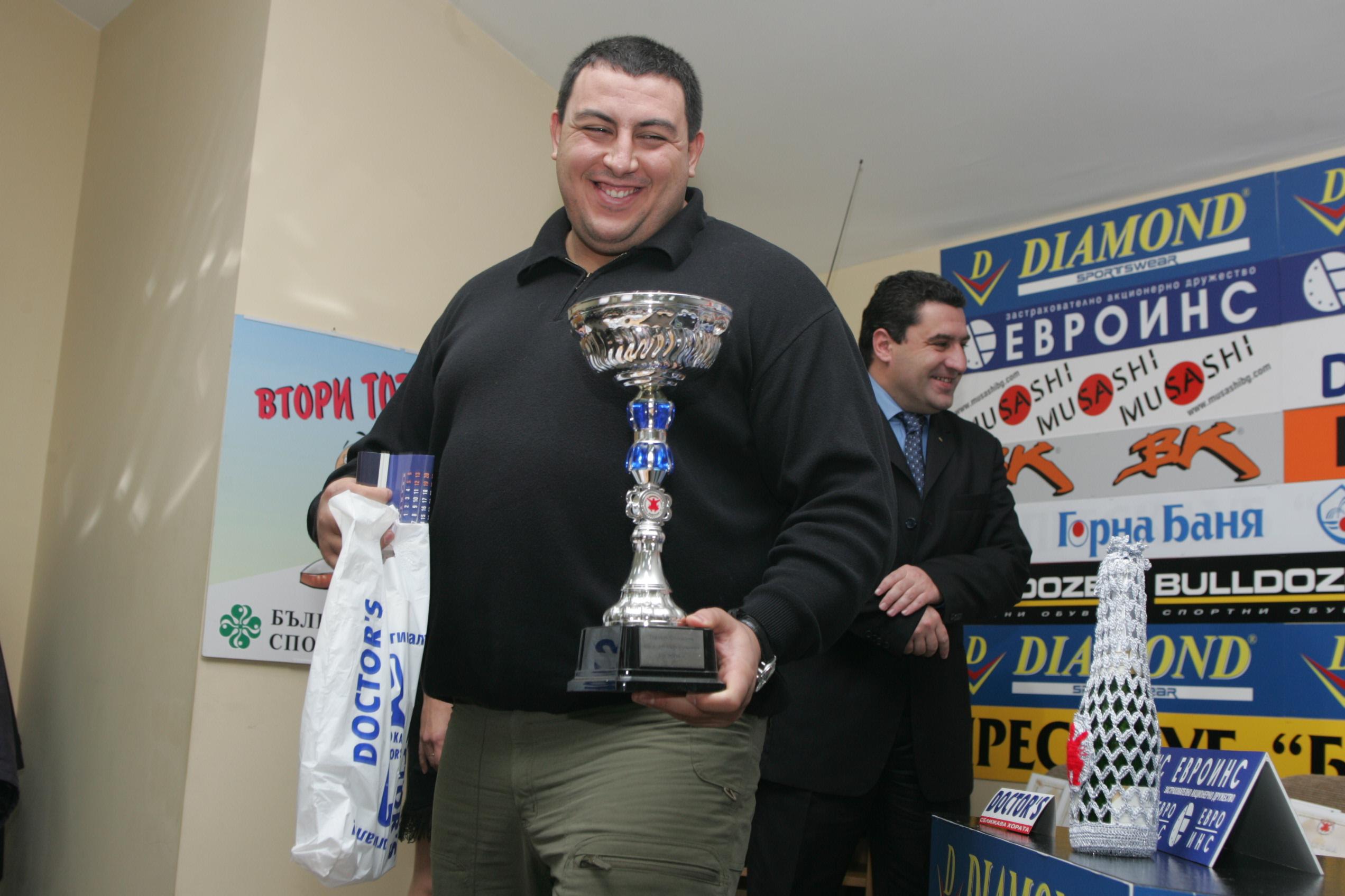 Единодушно избраха Петър Стоянов за президент на БФСумо