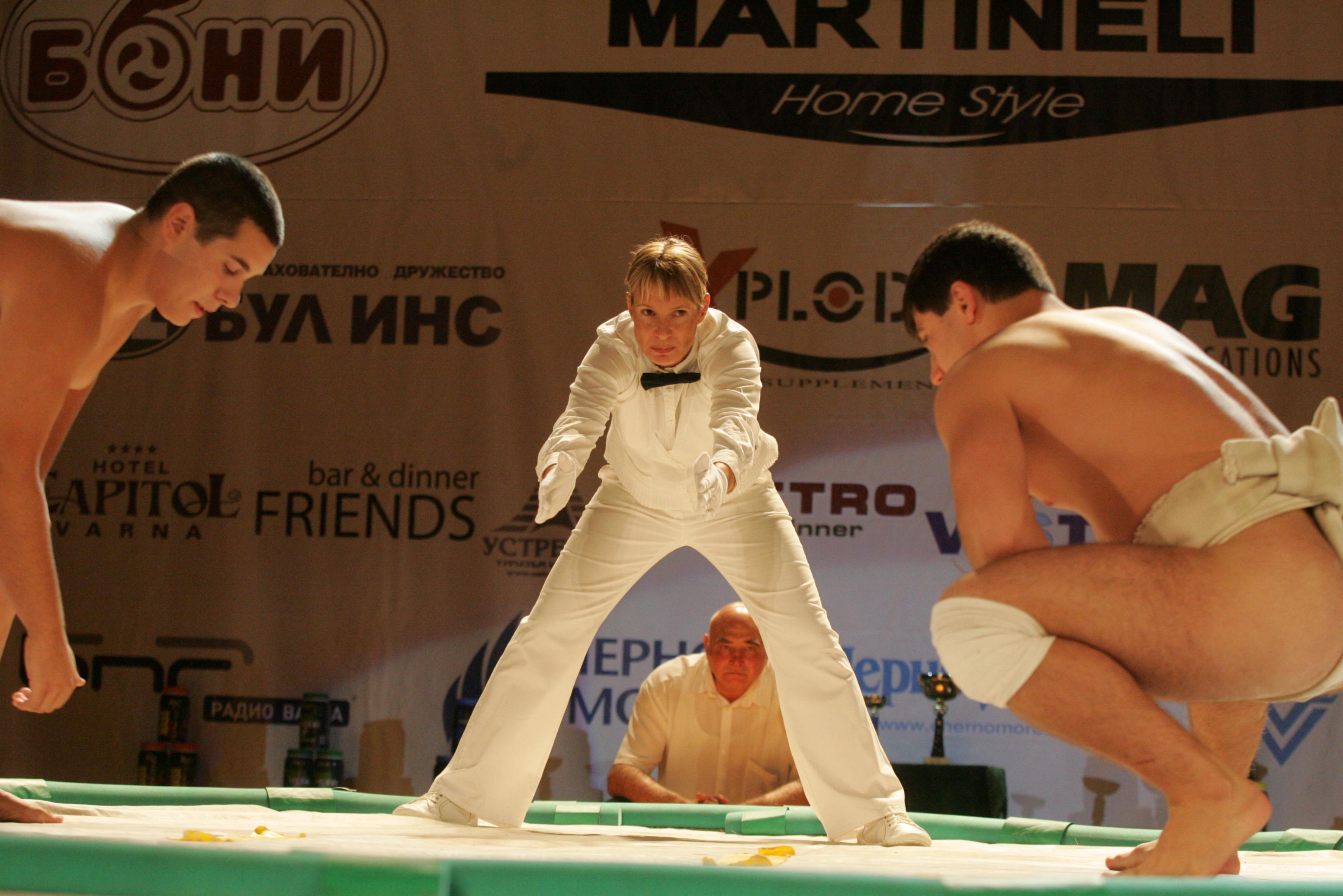 Общо 400 души пристигат в морската столица за участие на 17-о Европейско първенство по сумо за всичк